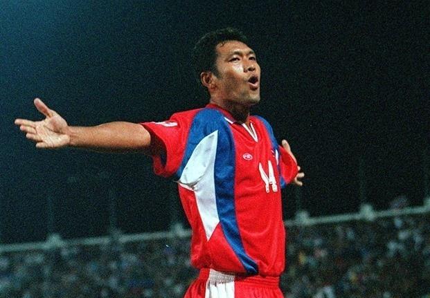 เปรียบเทียบทีมชาติไทย